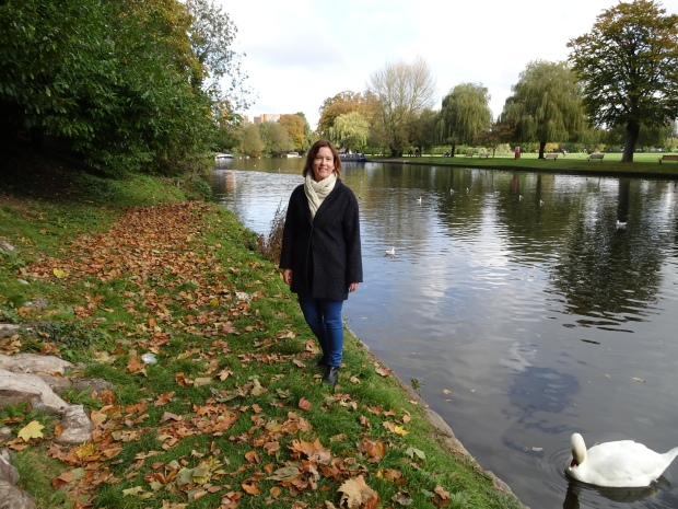 laura-bluebell-stratford-upon-avon-by-the-river
